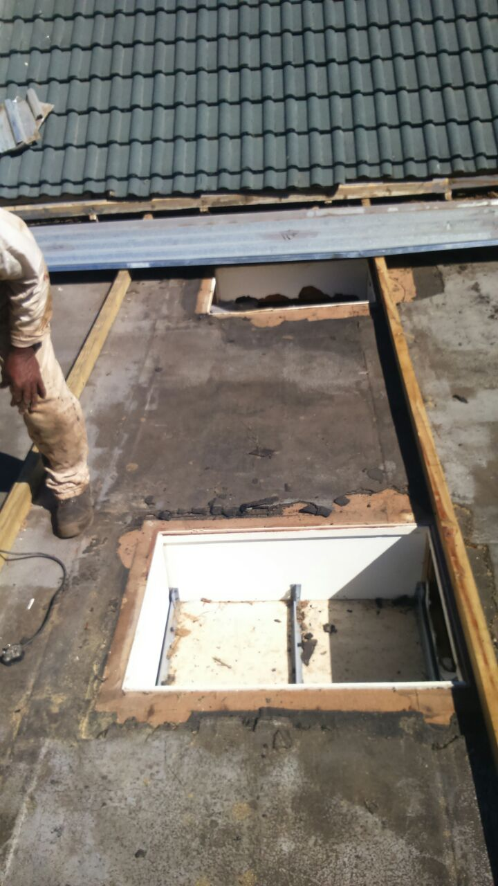 Fitting of New shutterboard flat roof, torch on indexing